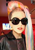 Лейди Гага плати над £85000 за рокля на Аликзандър Маккуин