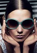 В сезона на слънчевите очила. Топ тенденции за Лято 2012