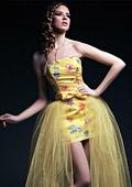 Абитуриентски рокли 2013 на Поля Миланова за MON AMUR - блясък и разкош