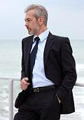 ВНИМАНИЕ мъже - 9 причини да носите костюм