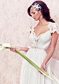 Мис България Юлия Юревич засне фотосесия с романтични сватбени рокли за 2013